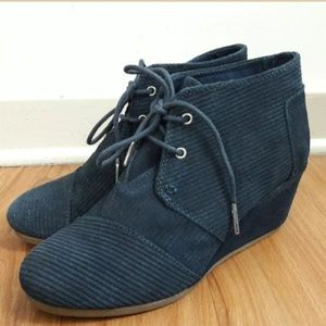 TOMS Desert Wedge Booties Blue Corduroy Suede 7.5